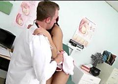 ブレイザーズ - 大きなおっぱいrose plays看護婦