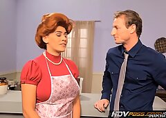 Hdvpasssexy赤毛主婦レイリーンは愛情のこもったフェラチオをします-ズザナ・ドラビノワ