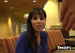 Alana zostaje zabrana do hotelu, aby zabrać swojego coochie Dymana jak dziwkę - Alana A.