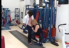 Good thing that she got that gym membership - Telsev