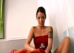 Footjob therapy with Violet Sky