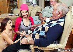 古いおばあちゃんと巨乳とブロンドエイジャーパパマキシマエレクティス