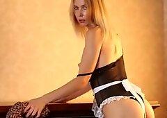 Sluttyメイドは激しく犯され、中精は見密ぬ人-ショートバージョン