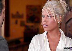Sexy blondynki duże cycki milfy masaż to nowa rzecz dla klientów - Bridgette B